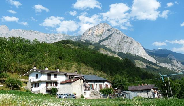 mały domek w górach przeprowadzka
